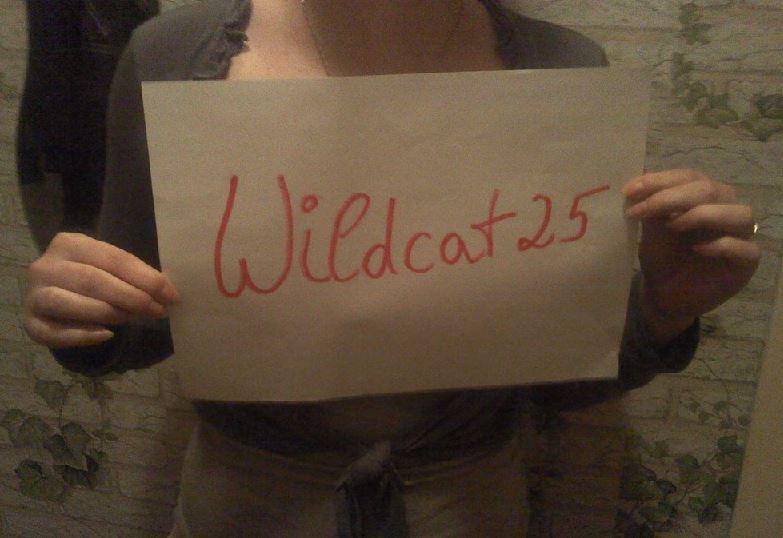 Wildcat25 zeigt ihre Nackt Selfies im Internet
