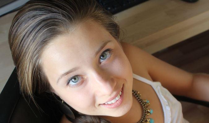 Teen Girl Liltanja beim Outdoor Fick gefilmt