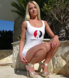 Amateur Darstellerin LiaLucia zeigt ihre privaten Sexfilme und ihre Nacktbilder