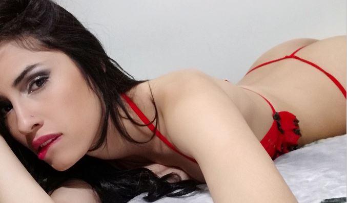 Amateurcommunity Girl RoseFox mit ihrer Webcam und privaten Nacktbildern.
