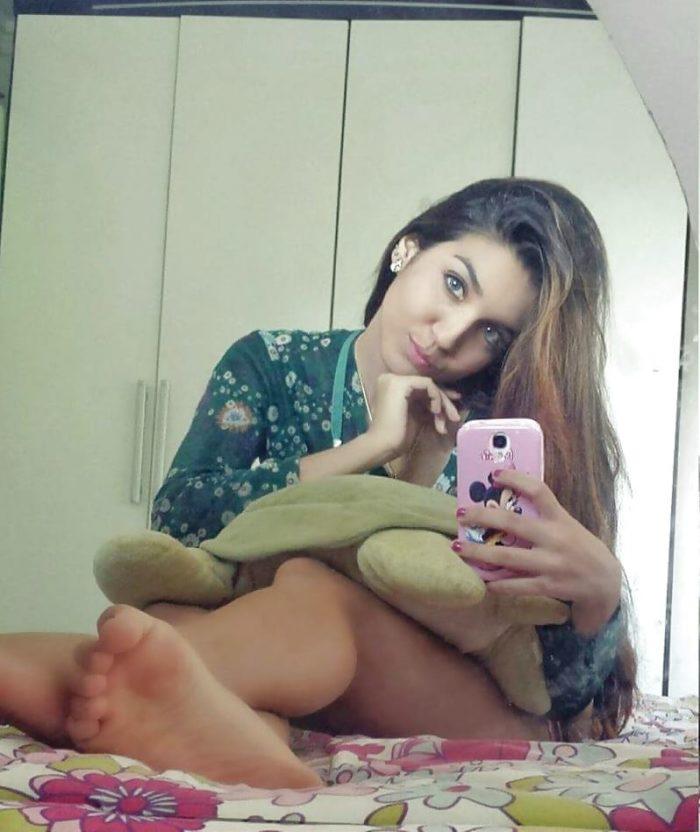 JungeKontakte – Die 19 jährige Joralei_19 aus 06120 Halle sucht eine Affäre oder kurzes Sextreffen