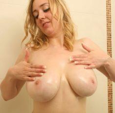 Amateur Teen SexyKristal mit ihren selbstgedrehten Sexfilmen und privaten Nacktbildern